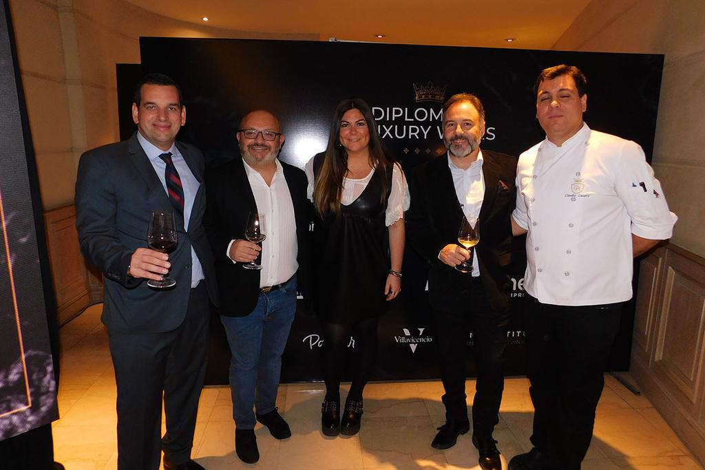 Santiago Alsina, Federico Lancia, Constanza Perez Colman, Gustavo Flores Bazan y Claudio Lucero